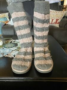 Knit Grey & Pink Size 9 Uggs Boots!  Gently Worn!