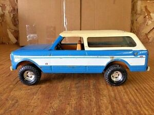 """ERTL 11"""" INTERNATIONAL BLUE SCOUT #3550 PRESSED STEEL GOOD USED CONDITION 1977"""