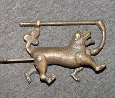 Sammeln & Seltenes, Eine alte Schlösser & Schlüssel / Tiger Statue, aus Bronze
