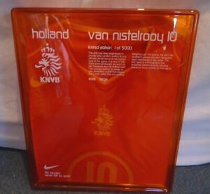 HOLLAND 2004-2006 LIMITED EDITION BOXED FOOTBALL SHIRT LARGE #10 V.NISTELROOY