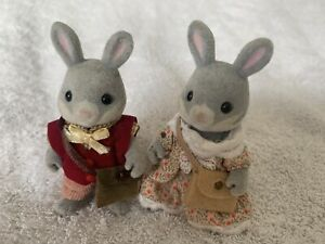 Vintage Sylvanian Families Set Of 2 Cottontail Rabbit Grandparents Cute!