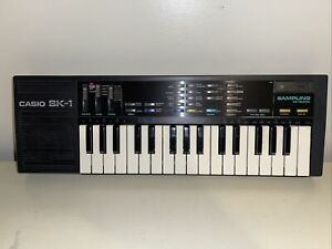 Casio SK-1 Portable 32 Key Sampling Keyboard Tested And Working