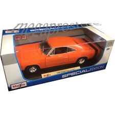 Maisto 1969 Dodge Charger R/T 1:18 Diecast Model Car Orange