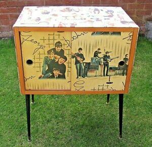 SUPERB & RARE VINTAGE 1960's BEATLES RECORD CABINET