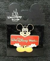 """Walt Disney World 2000 LE """"MICKEY MOUSE HOLDING SIGN"""" PIN PERFECT"""