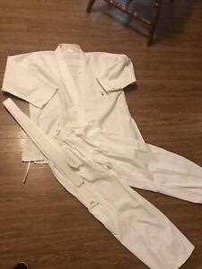 Used White Kid Karate Suit Karate Uniform Kids Martial Arts size 3