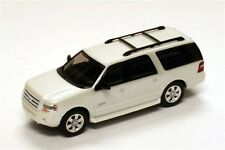 HO Scale 2007 Ford Expedition EL SUV - Platinum White - River Point #536760921