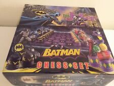BATMAN CHESS SET THE DARK KNIGHT VS THE JOKER NOBLE COLLECTION