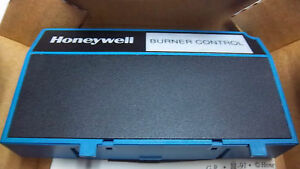 HONEYWELL BURNER CONTROL REMOTE RESET MODULE S7820 A 1007 NEW S7820A1007
