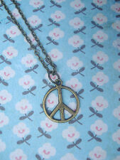 Funky small brass segno di pace collana kitsch vintage stile hippy / boho Carino 60 70 80