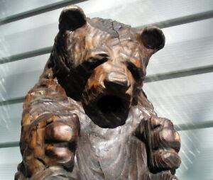 PRIMITIVE ANTIQUE HAND CARVED WOODEN FOLK ART BEAR WINE BOTTLE HOLDER SCULPTURE