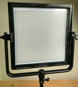 Dracast 1x1 LED1000 Panel Light with XLR Power Adapter, Barn Doors & Case