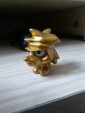 MOSHI MONSTER SERIES 8, SPECIAL GOLD VINNIE FIGURE.