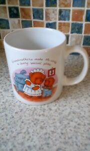 Avon Bear Mug Grandmothers Make the World a Beary Special Place 8.5 High 8CM DIA