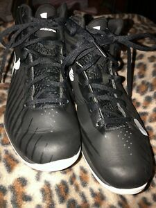 UNDER ARMOUR Boy's Black & White Mid Top Basketball Shoes Sz 4.5 Youth