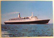 rms Queen Elizabeth 2 . Cunard Line . QE2 Cruise Ship Boat At Sea Ocean Liner