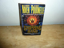 The Gripping Hand by Jerry Pournelle and Larry Niven (1994, Paperback)