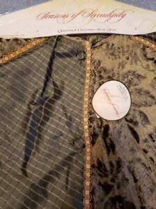 Seasons of Serendipity Green Gold Embellished Tassels Christmas Tree Skirt Large