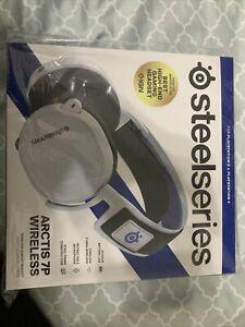 Steelseries Arctis 7p Wireless Gaming Headset In Hand