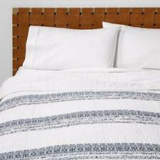 Twin Chenille Stripe Quilt White  - Opalhouse™