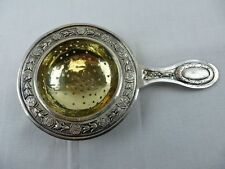 Silbernes Teesieb mit floralem Muster  / 800 Silber gepunzt / 64 Gramm