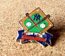 NY New York Yankees diamond / crossed bats pin c28019