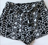 Material Girl Black and White Tribal Flowy Shorts size MEDIUM
