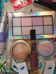 Glossy Box bunt gemischtes Beauty Paket Schminke Proben