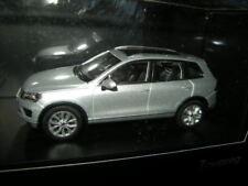 1:43 Herpa VW Touareg plata/Silver en OVP
