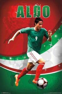 MEXICO FOOTBALL TEAM POSTER ~ ALDO DE NIGRIS DRIBBLE 22x34 National Soccer 9920