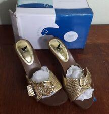 New in box Ladies SHIEKH GOLD S-Common METPU Sandal LOVE-S Size 7-1/2