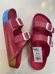 Ladies comfort sandals size 5/6