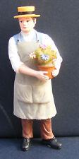 Escala 1:12 casa de muñecas en miniatura de accesorios de flor de resina hombre Muñeca jardinero