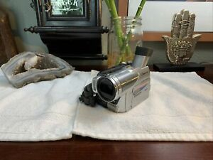 Panasonic PV-GS70D SD MiniDV Camcorder +Battery Works Great NICE