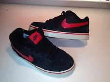 Nike Ruckus Jr. Black/red skate SB Youth Size- 1.5