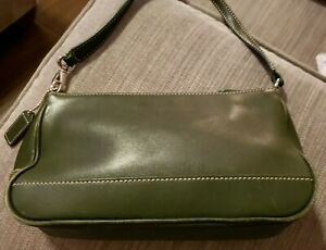 Coach Solid Deep Green Leather Cross-Body Purse. Authentic. Excellent Condition