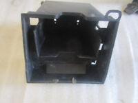 5. Kawasaki GPZ 900 R Zx 900 A Scomparto Batteria Contenitore di Batteria