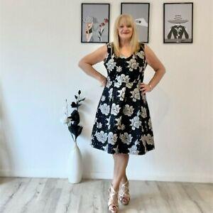 Jacqui E Fit n Flare Floral Dress, NWOT, Size 18