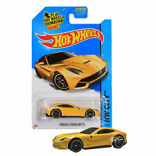NEW 2014 Hot Wheels 1:64 Die Cast Car HW CITY Yellow Ferrari F12 Berlinetta 31