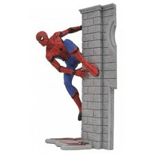 Diamond Select Spider-Man Comic Book Hero Action Figures