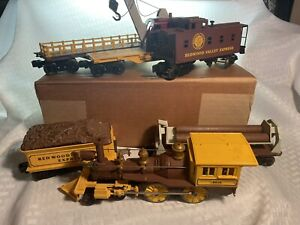 LIONEL REDWOOD VALLEY 4-4-0 OLD STYLE GENERAL ENGINE W/MULTIPLE CARS. TESTED