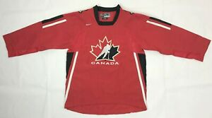 Team Canada 2005/2006/2007 NIKE Home Olympic Sewn Hockey Jersey Youth Size L/XL