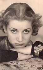 BD710 Carte Photo card RPPC Femme Studio coiffure mode fashion bijoux vers 1920
