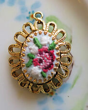 #1493A Vintage Hobe Pendant Jewelry Roses Flowers Embroidery Silk Signed Oval
