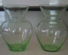 2 LIME GREEN FLOWER VASES ANCHOR HOCKING BULBOUS SHAPED NECK 4.75 INCHES TALL