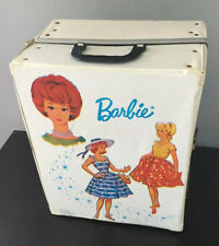 1964 BARBIE DOLL TRUNK CASE WITH CLOTHES, HANGERS, Accessories AND DOLLS