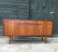 GORGEOUS MIDCENTURY ELLIOTS OF NEWBURY SIDEBOARD
