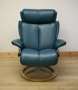 Ekornes Stressless Signature Magic Leather Armchair / Swivel Chair & Footstool.