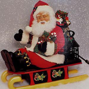 ANIMATED CHRISTMAS FIGURE / SANTA & SLED / HOLIDAY CREATIONS / VINTAGE 1993