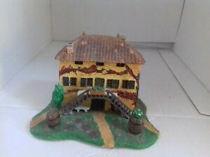 Maison miniature en résine peinte main Beaujolais pour maquette train creche dec